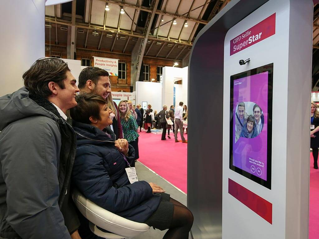 CIPD stand engagement marketing, selfie booth